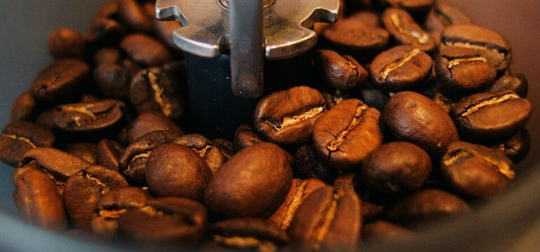 Coffee _beans _in _a _grinder